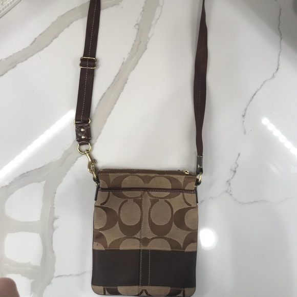 Coach Handbags - Coach crossbody purse